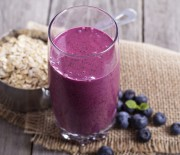 Blueberry Cereal and Yogurt Smoothie Recipe