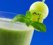Honeydew Spinach and Lemon Smoothie Recipe